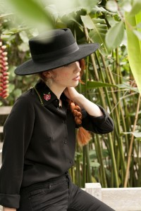 Gang de Filles Collection Automne 17 photographiée par Virginie Zilbermann, mode, fashion, rousse, folk, chemise, cols